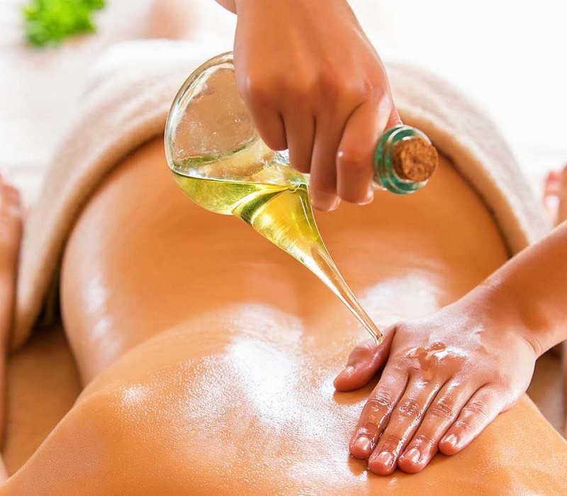 hot oil massage service in Bur-Dubai