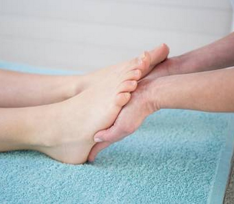 reflexology massage service in Bur-Dubai