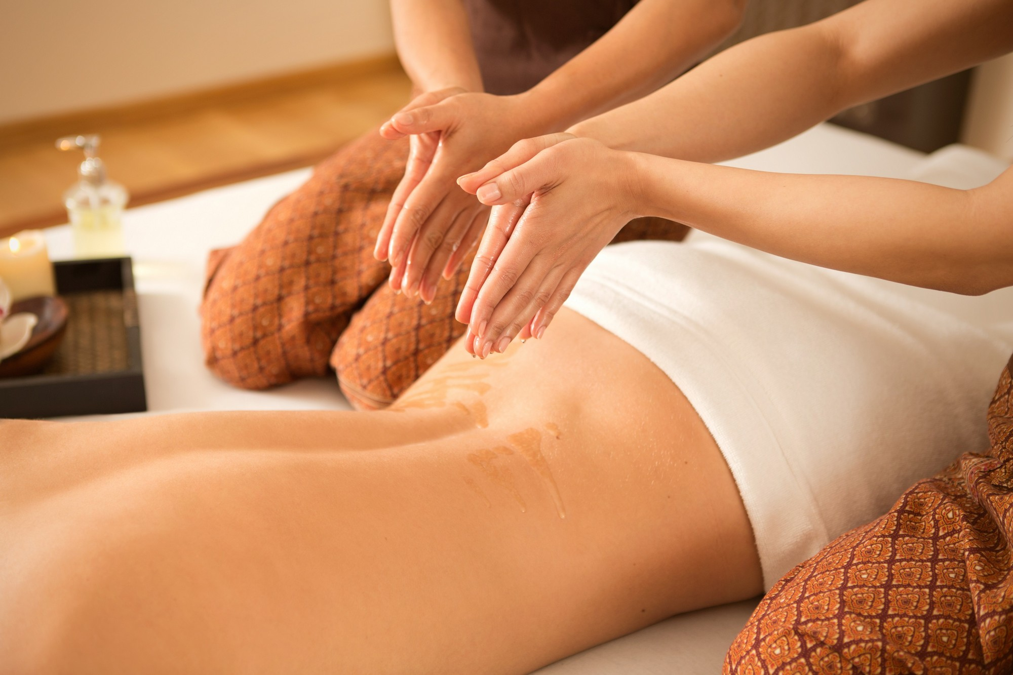 Four Hands Massage Service In Dubai